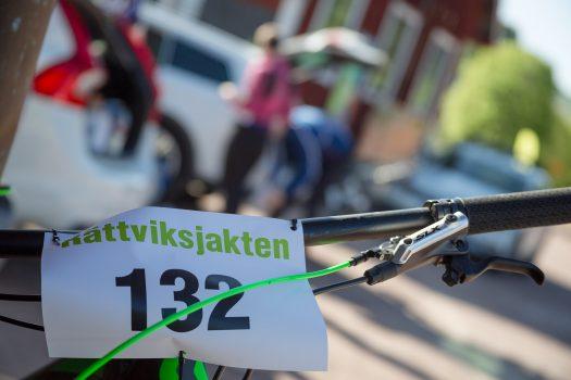 Cykelstyre med nummerlapp